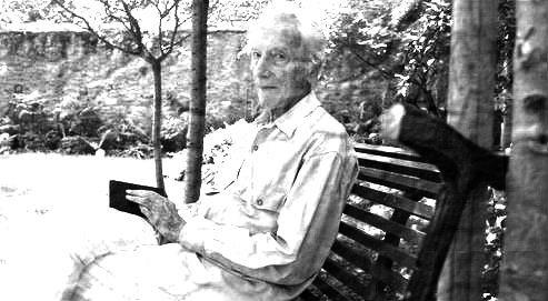 Henry Bauchau b&w.jpg